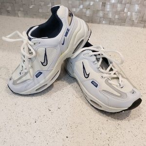 Youth Boy Nike Air tennis shoes sneakers